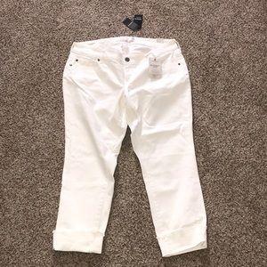 Torrid White Boyfriend Crop Jeans 12 NWT